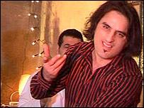 دافغانستان د وتلي او تکړه هنرمند او سندرغاړی ښاغلي نجیب حق پرست خبری دهغه دهنری فعالیتونو او دهغه د سفر په اړه چه داستقلال دجشن په مراسموکی دګډون په خاطر وآسترالیا ته تشریف راوړی دلته اوریدلای سۍ
