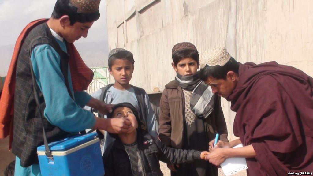 روغتیا وزارت: شاوخوا  ۹،۹ میلیونه ماشومان به د پولیو په وړاندې واکسین شي
