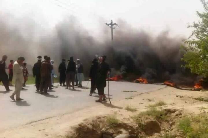 مسدود کردن شاهراه کابل- مزارشریف توسط هواداران جنرال دوستم
