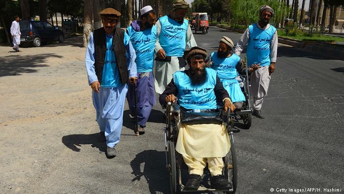کاروان صلح معلولین هرات به سمت کابل حرکت کرد