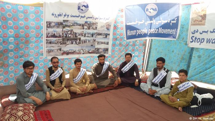 اعضای کاروان صلح: تا صلح تامین نشود به خانه بر نمیگردیم