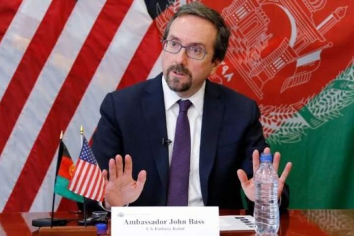 امریکاییها در مسایل مهم افغانستان دخالت میکنند/ روسای جمهور توسط امریکا تعیین میشود