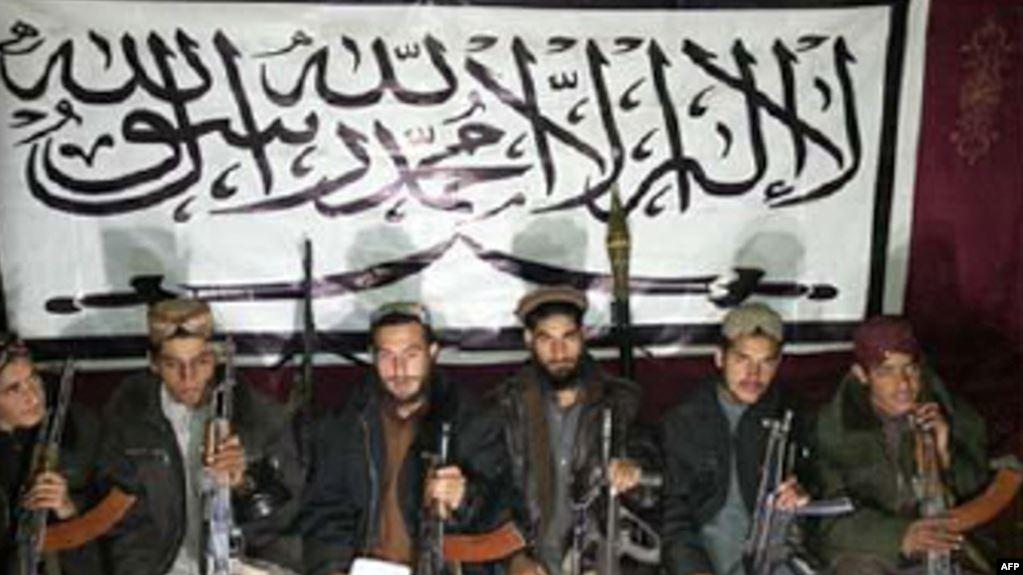 """امریکا د پاکستاني طالبانو د مشر په ګډون ۱۳ کسان """"نړیوال ترهګر"""" وبلل"""