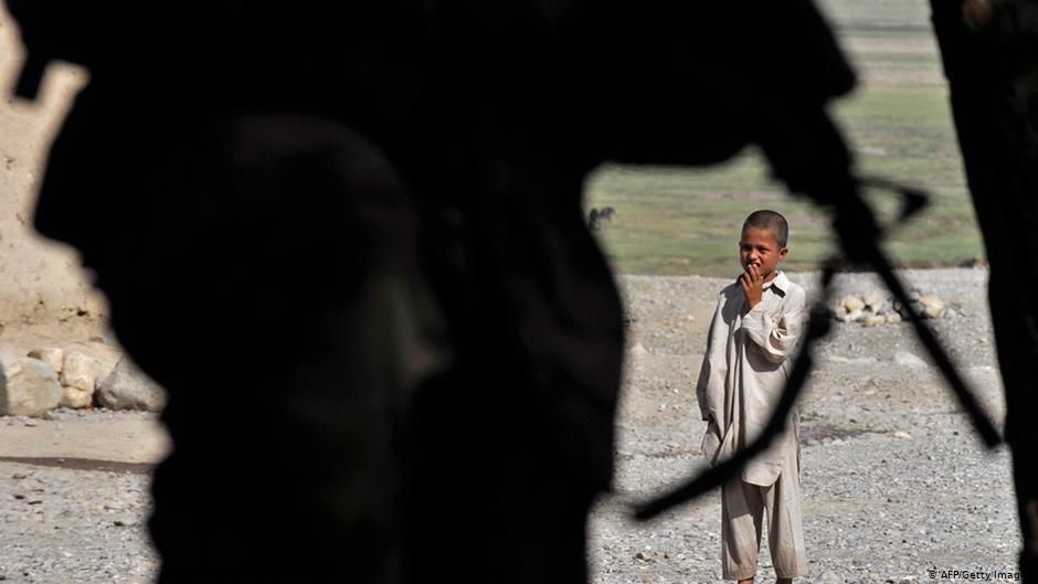 ۱۸ سال جنگ: همه کودکان افغان از جنگ و خشونت متاثر شده اند