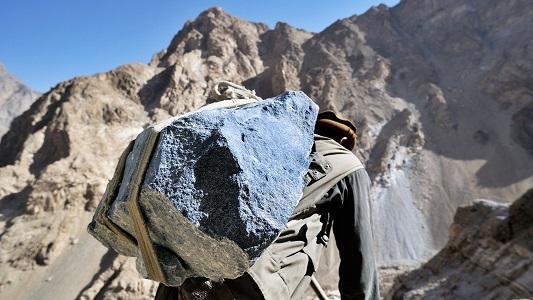 افغانستان په لومړي ځل په کور دننه د کرومایټ ډبرې پروسس پیل کړ