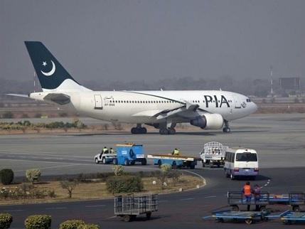 د پاکستان د هوايي شرکت الوتکه ولوېده، شاوخوا ۱۰۰ تنه مړه شوي