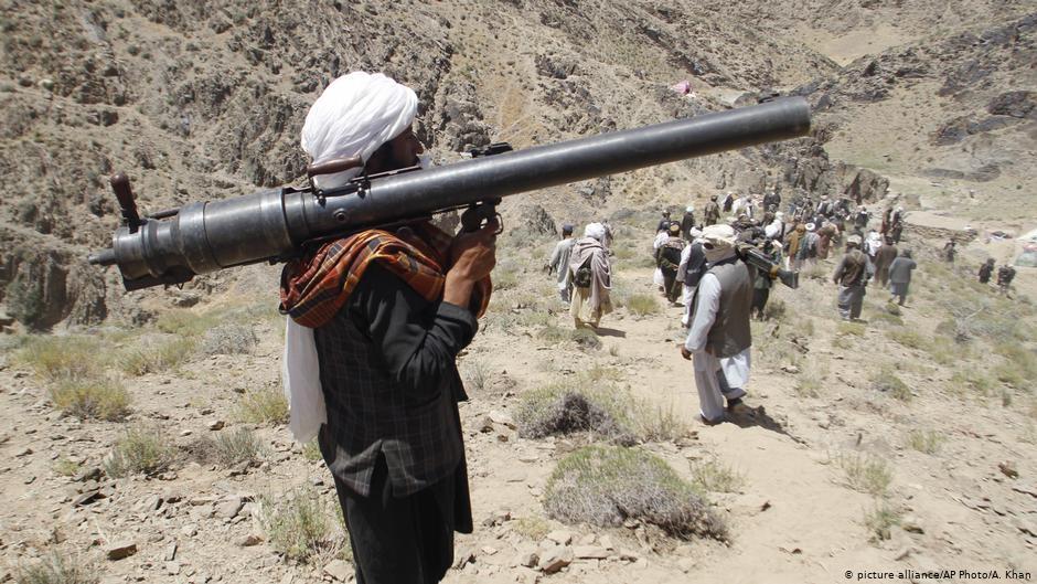 امنیت ملی: فرمانده طالبان پس از انتقال توسط سپاه پاسداران ایران بازداشت شد