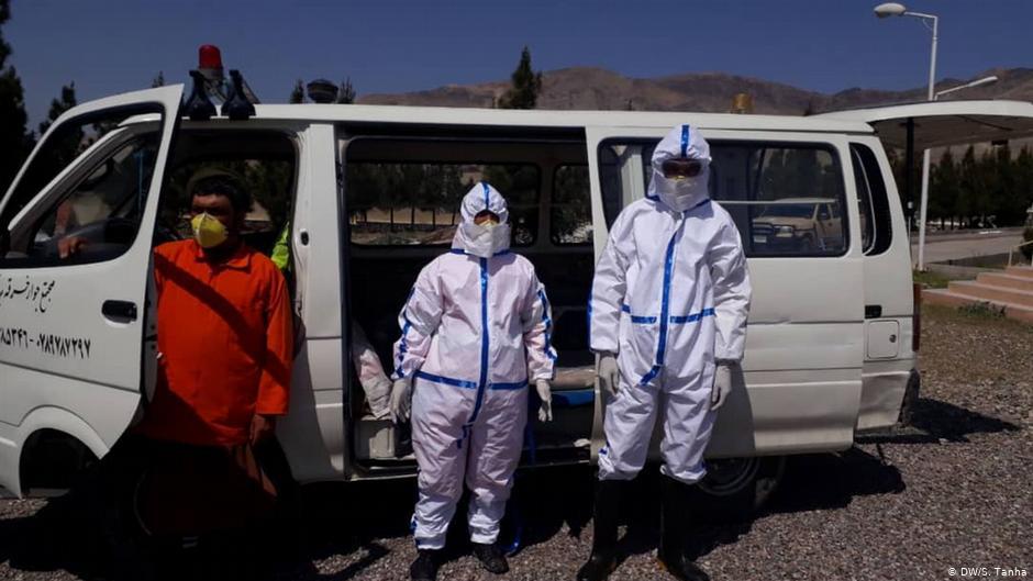 ۷۸۲ تازه مثبتې پېښې؛ افغانستان کې په کرونا ویروس د اخته کسانو شمېر ۹۹۹۸ ته ورسېد