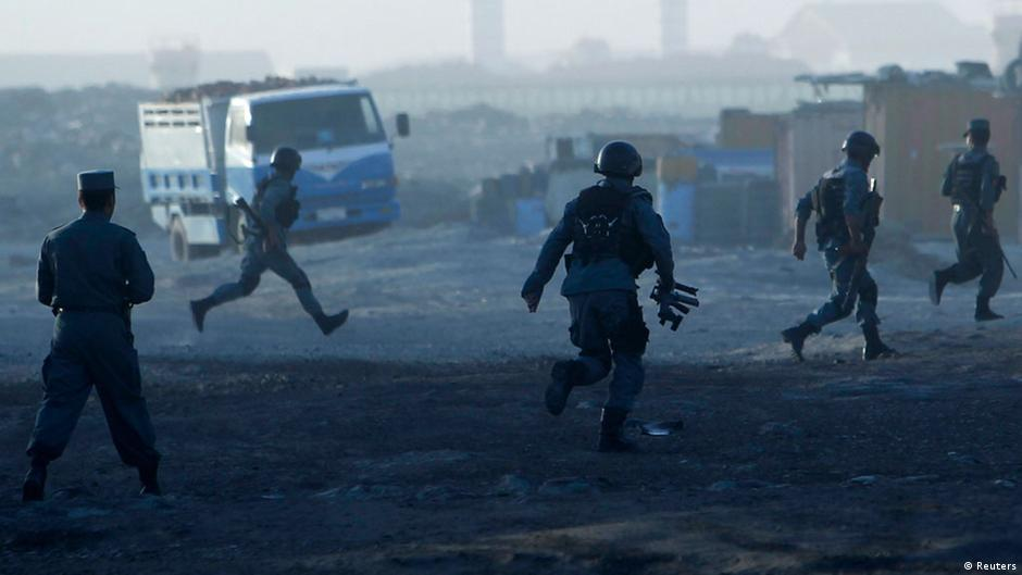 وقوع انفجار در مسجدی در کابل در دومین روز آتشبس ۱۲ کشته به جا گذاشت