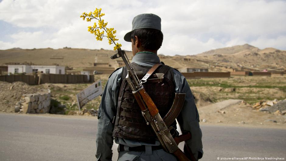 ایالات متحده امریکا و ناتو افغانستان را در جنگ رها میکنند